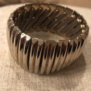 Vintage goldtone expandable bracelet